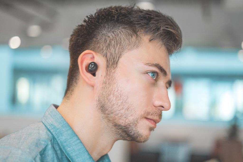 How to Use Wireless Headphones 5
